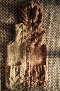 商品☆草木染め手編みニットフード付きレディースベスト☆Vegetable dyeing hood radies vest