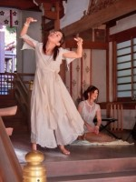 Hemp&Cotton 蓮花女神ワンピースとトリプルサリュパンツをとっても素敵に舞の衣装に着てくれています∞*・゜゚・*:.。..。.:*☆
